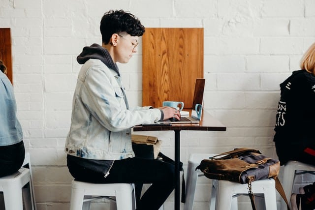Développeuse web salariée ou free-lance